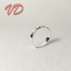 Valdo 126 silver ring with...