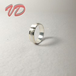 Valdo 104 silver ring with...